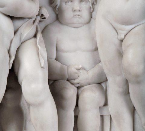 Josef Dressel, Detail Putto, Marmorrelief Puttenreigen, Kunsthandel Mühlbauer