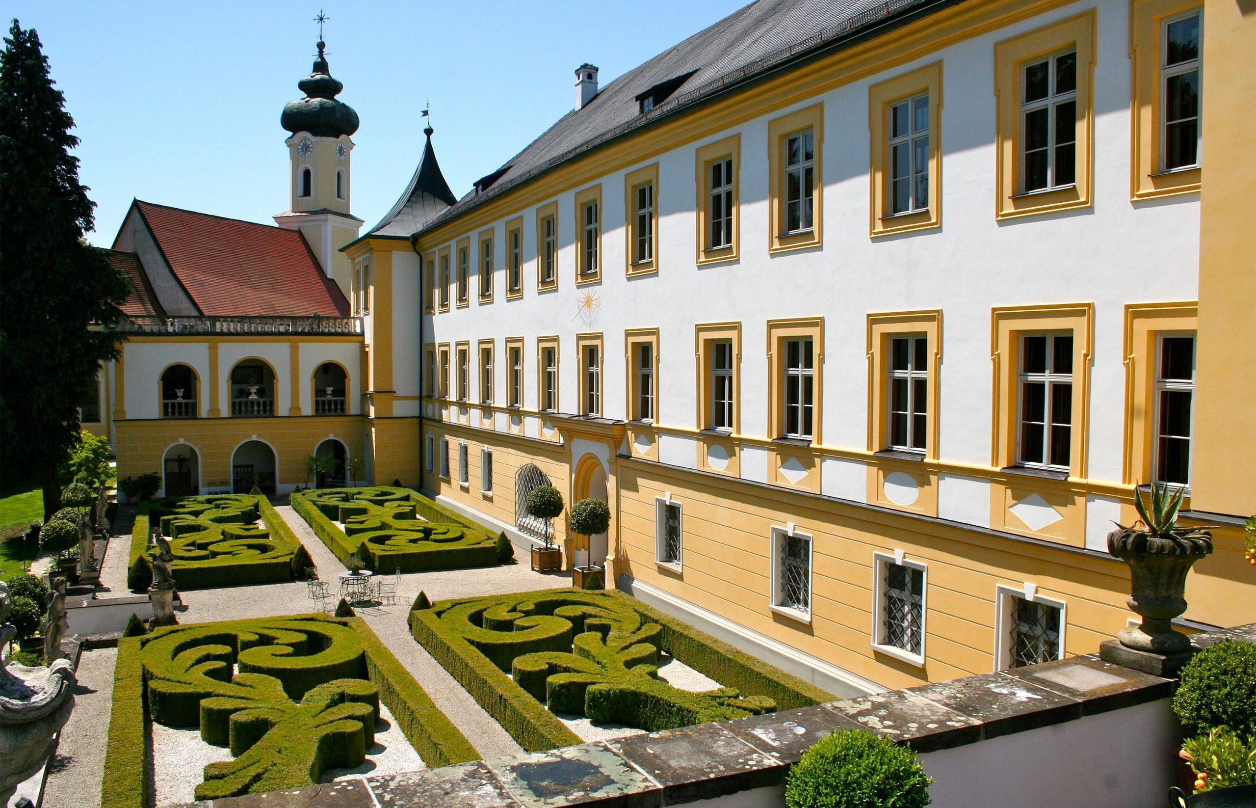 Schloss Schönburg, Kunsthandel Mühlbauer