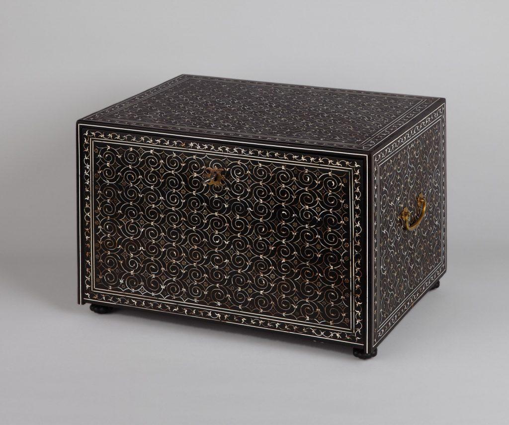 indo-portugiesisches Tisch-Kabinett, Kunsthandel Mühlbauer