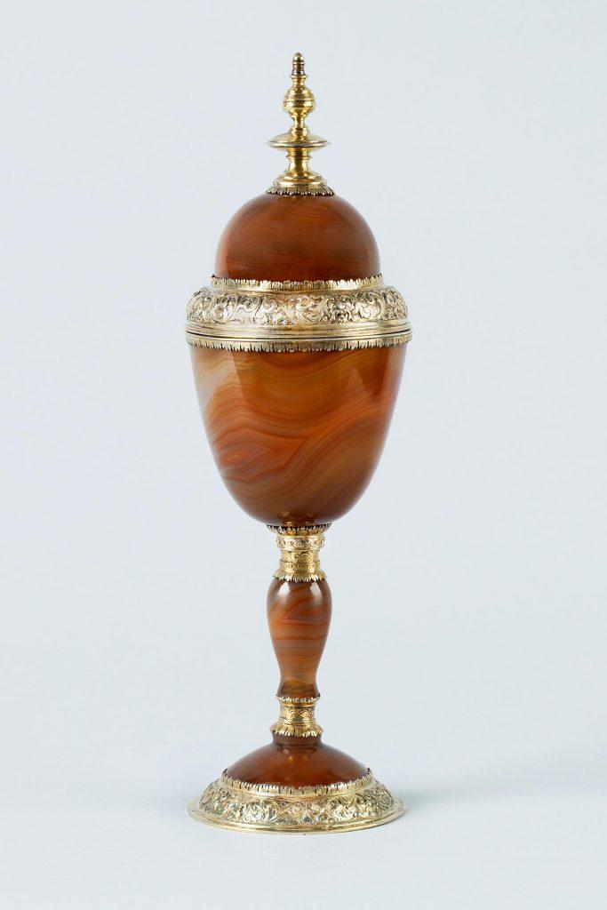 Achat-Deckelpokal mit vergoldeter Silberfassung, Kunsthandel Mühlbauer