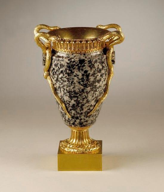 Ägyptische Vase aus Assuan-Granit, Frontansicht, Kunsthandel Mühlbauer