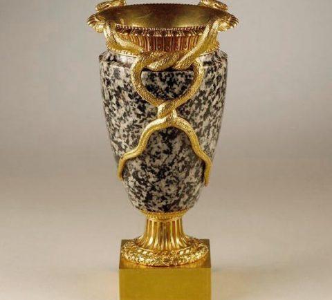 Ägyptische Vase aus Assuan-Granit, Seitenansicht, Kunsthandel Mühlbauer