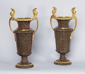Paar russischer Empire Jasper-Vasen, Kunsthandel Mühlbauer