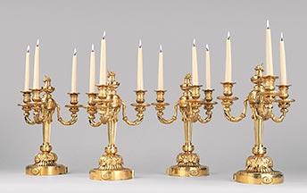 Satz von vier vergoldeten Louis XVI-Prunkkandelabern, Kunsthandel Mühlbauer