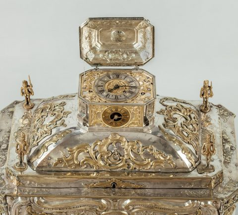 Prunktruhe mit Uhrwerk gefertigt für Fridericus Rex zu Preussen, Front oben Deckel geöffnet,Kunsthandel Mühlbauer