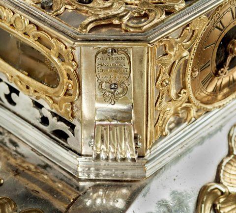 Prunktruhe mit Uhrwerk gefertigt für Fridericus Rex zu Preussen, Signatur, Kunsthandel Mühlbauer