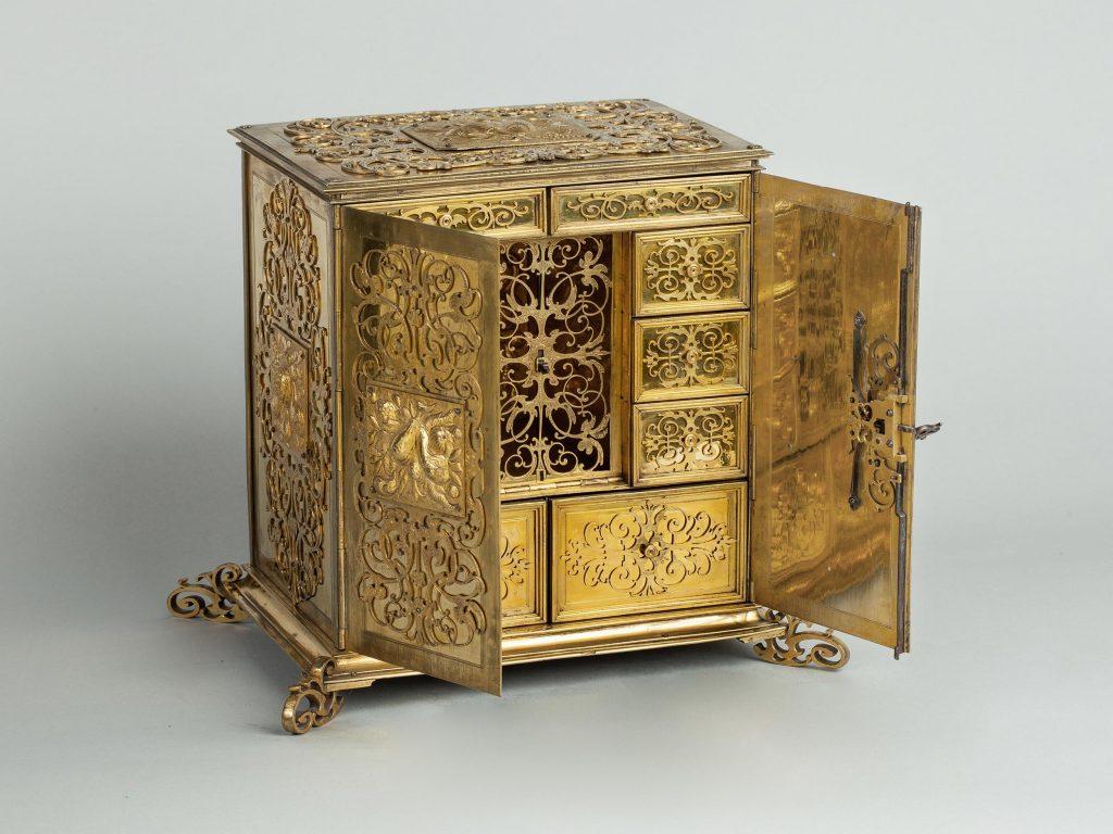 Renaissance Juwelen-Kabinettschränkchen, teilweise geöffnet, Kunsthandel Mühlbauer